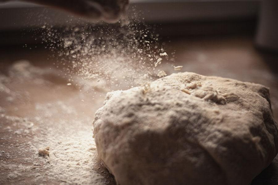 Masa de pan enharinada
